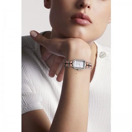 Montre Première Rock - Acier et cuir rose, cadran en nacre blanche - CHANEL - Vue portée